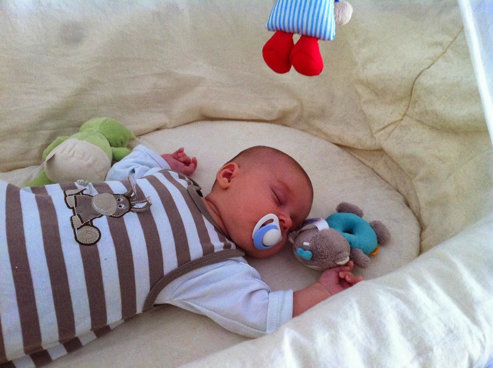Pretty mommy vom schlafbaby zum schreibaby und zurück
