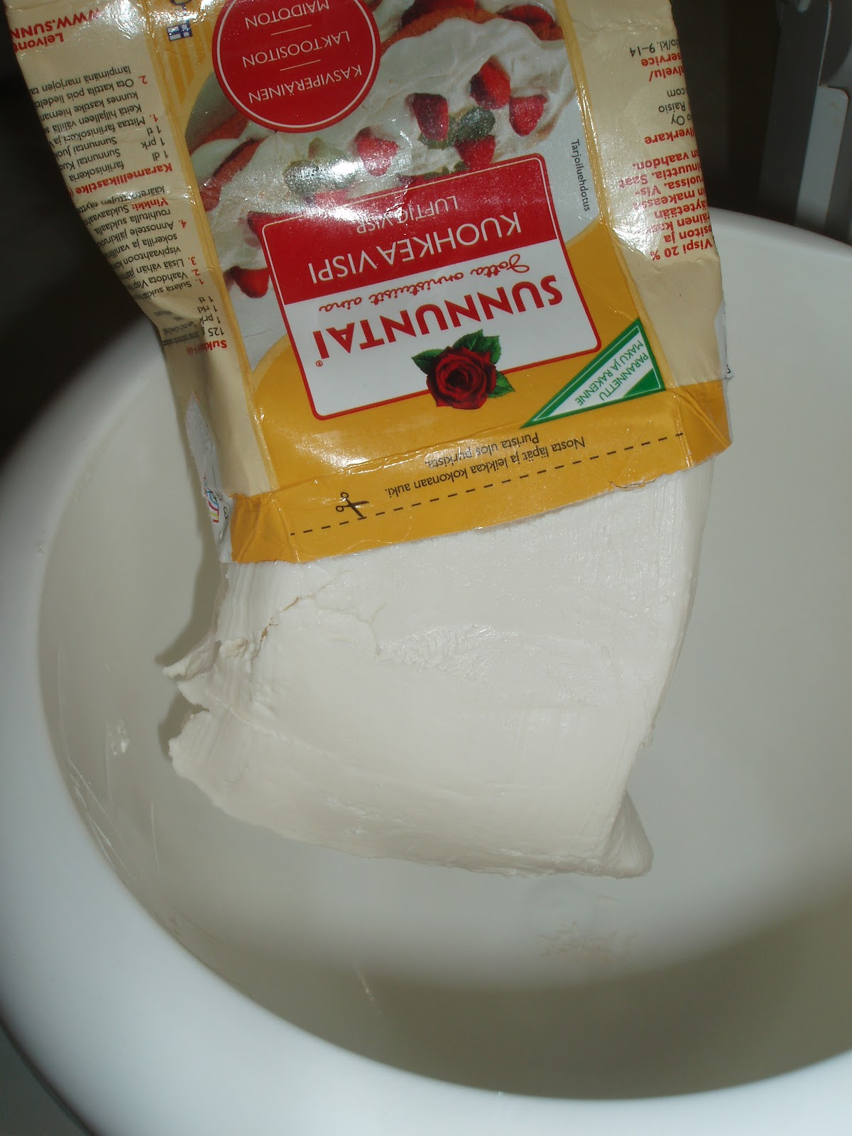 maidoton täytekakku Paimio