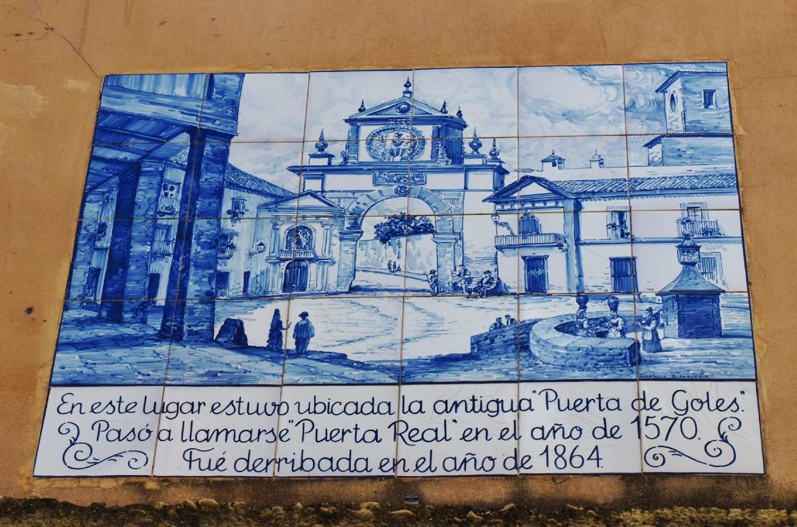 Puerta Real Sevilla