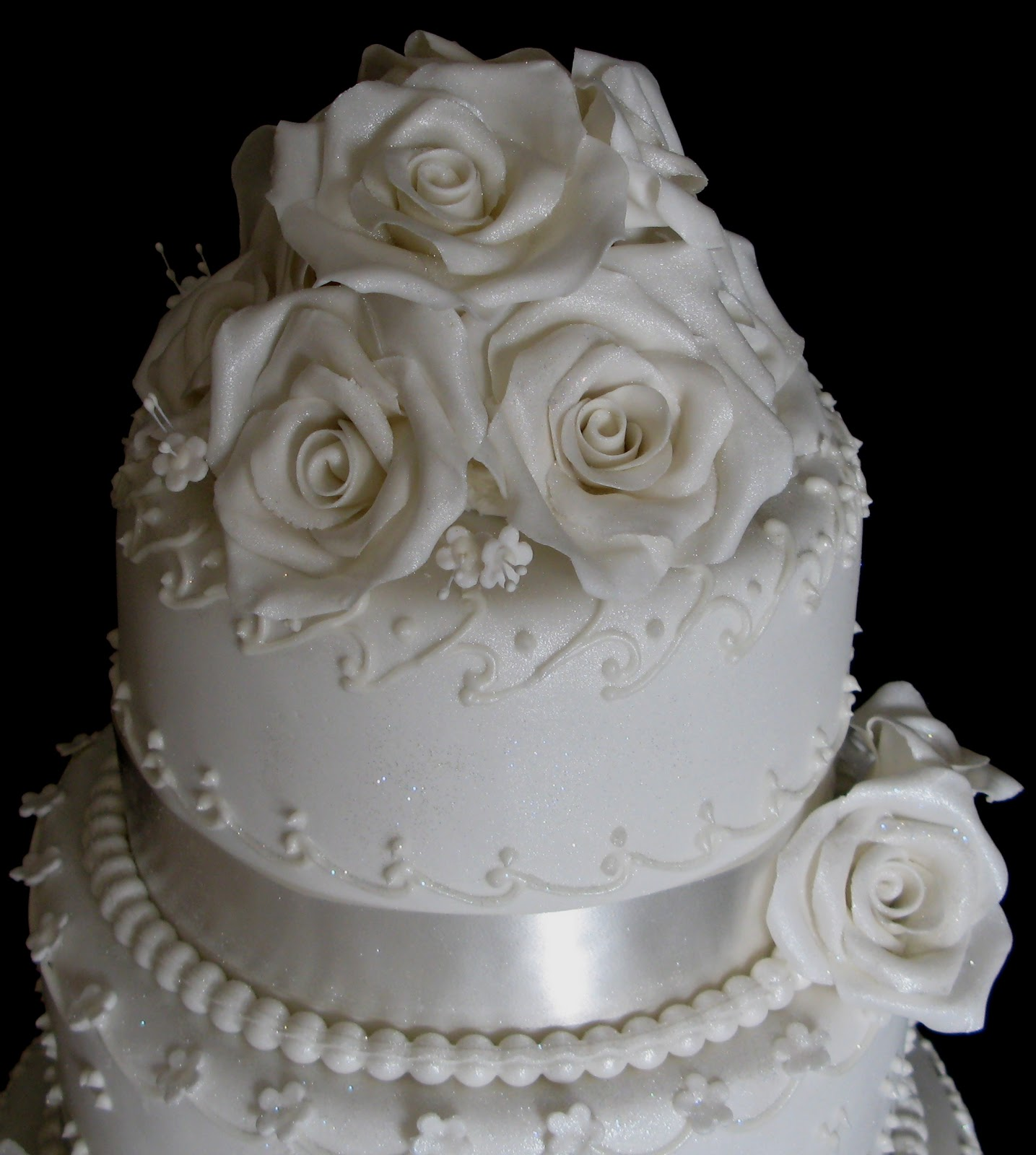 Sugarcraft by Soni: Three Layer Wedding Cake - White Roses