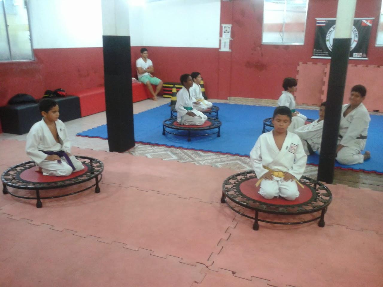 Praticando meditação e Disciplina de corpo e mente