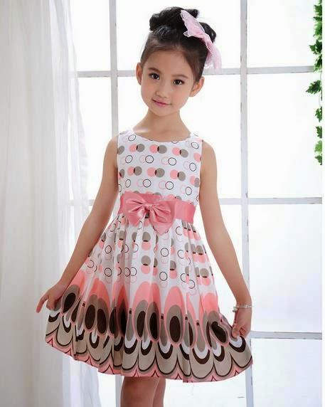 0b9d24741a0 Vestido festa infantil estampa geometrica R 29