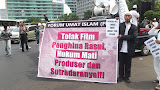 "Demo Menentang Film ""Innocent Of Moslem"""
