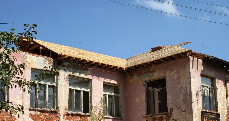 New roof extending