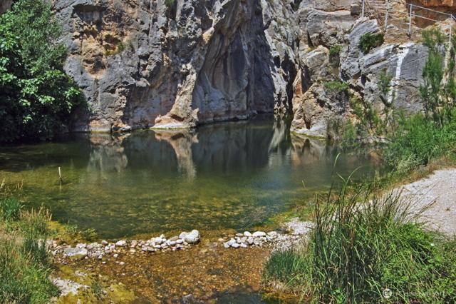 piscina-natural-de-agua-termal-fontcalda-tarragona