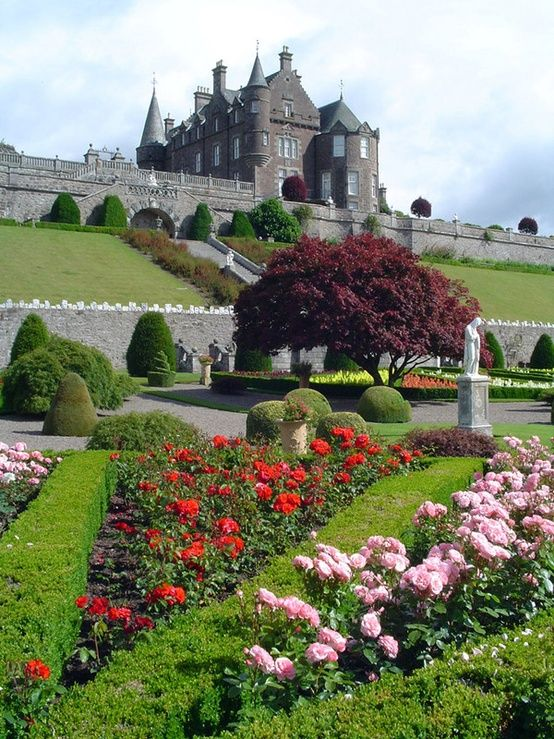 Drummond Castle,Scotland