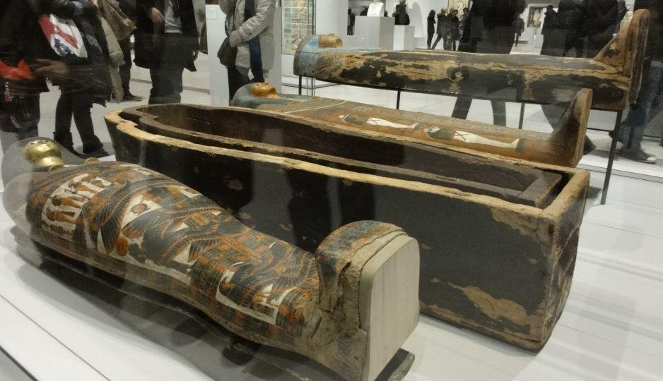 L 39 acad mie des scribes louvre lens sarcophage de la for Le louvre interieur