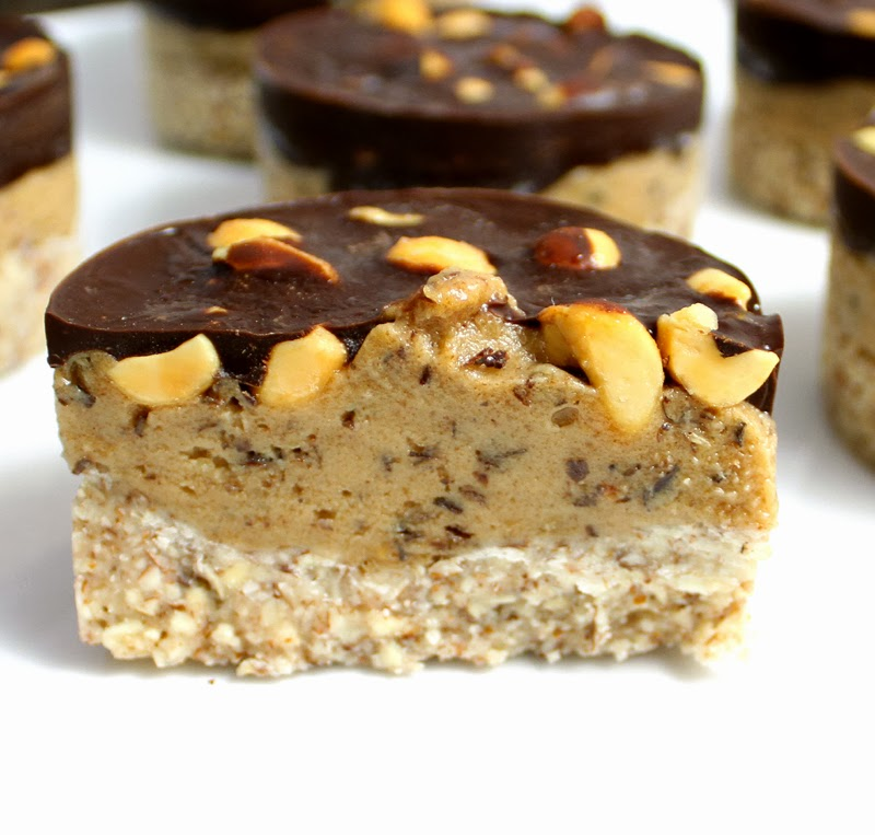 ... SUDOESTE DA BAHIA: Peanut Chocolate Dessert with Almond Hazelnut Base