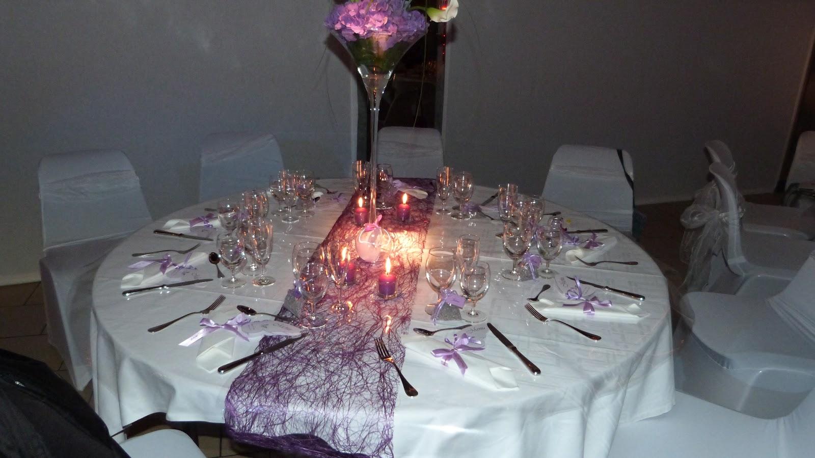 décoration de table violet et blanc #3