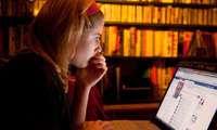 Penelitian : Keseringan Facebookan Bisa Bikin Sedih
