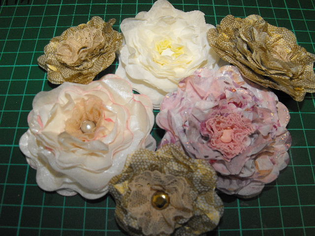 Franjopani Cards: Tissue paper flowers