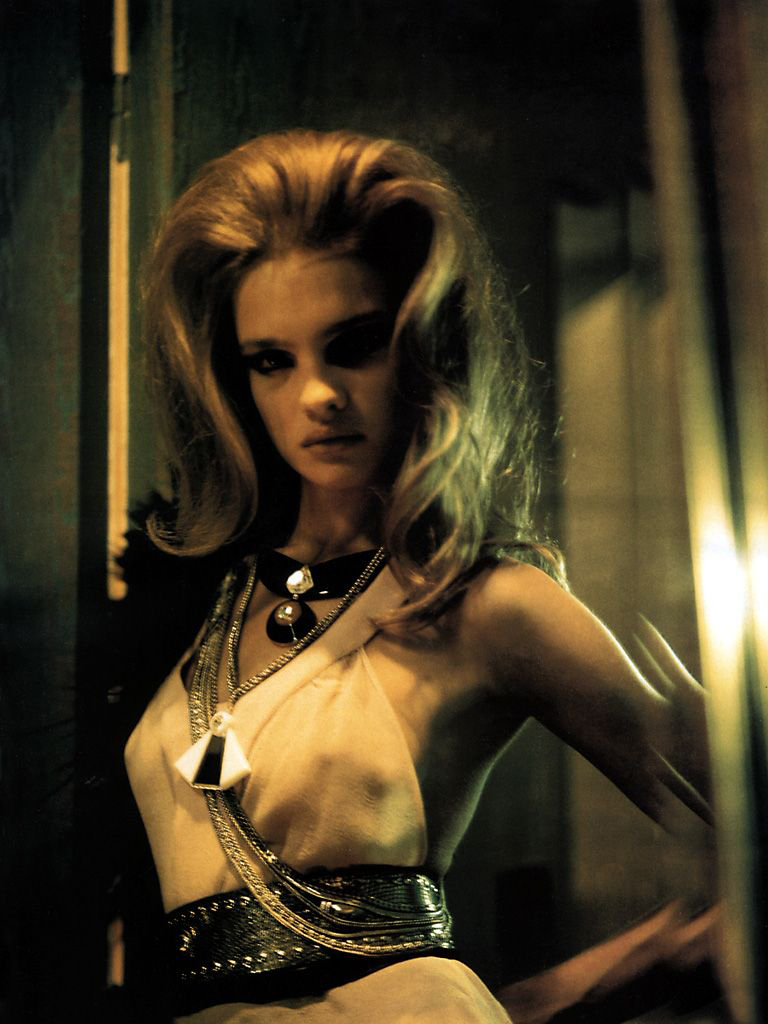 Natalia Vodianova in Through a glass darkly / Vogue UK October 2002 (photography: Paolo Roversi, styling: Lucinda Chambers) via fashioned by love / british fashion blog