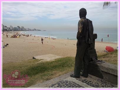 Estátua do Zózimo na Praia do Leblon