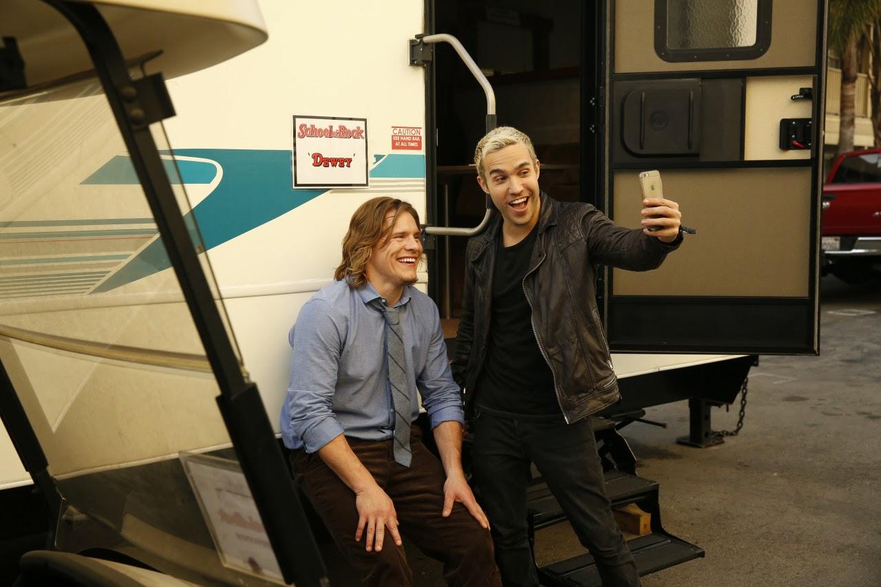Pete wentz to guest star in a episode of nickelodeon s brand new show school of rock