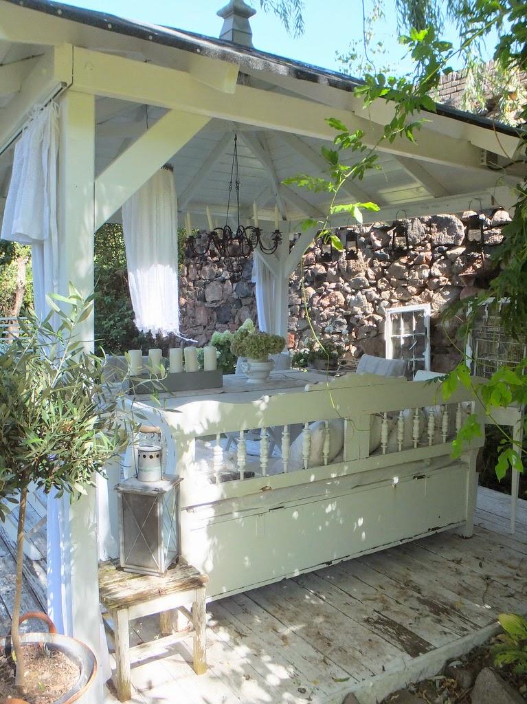 princessgreeneye endlich fast fertig unser neuer pavillon mit diy. Black Bedroom Furniture Sets. Home Design Ideas