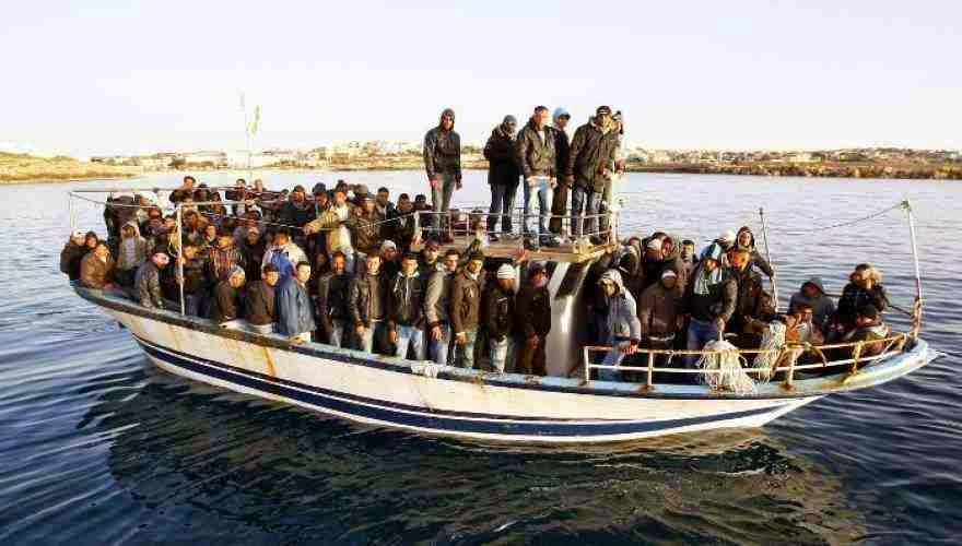 Πλήρης διάλυση στα σύνορα - Λαθρομετανάστες: «Μάθαμε ότι ανοίξατε τα σύνορα και ερχόμαστε»