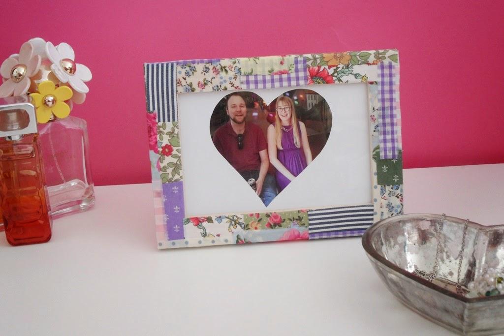 Louise Dawson Design: How To... Fabric Scrap Photo Frame DIY