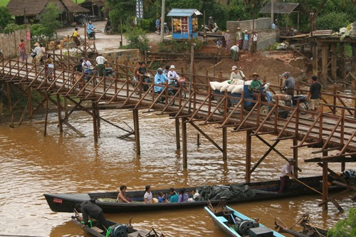 Teik Nan bridge in Nyaungshwe, Burma