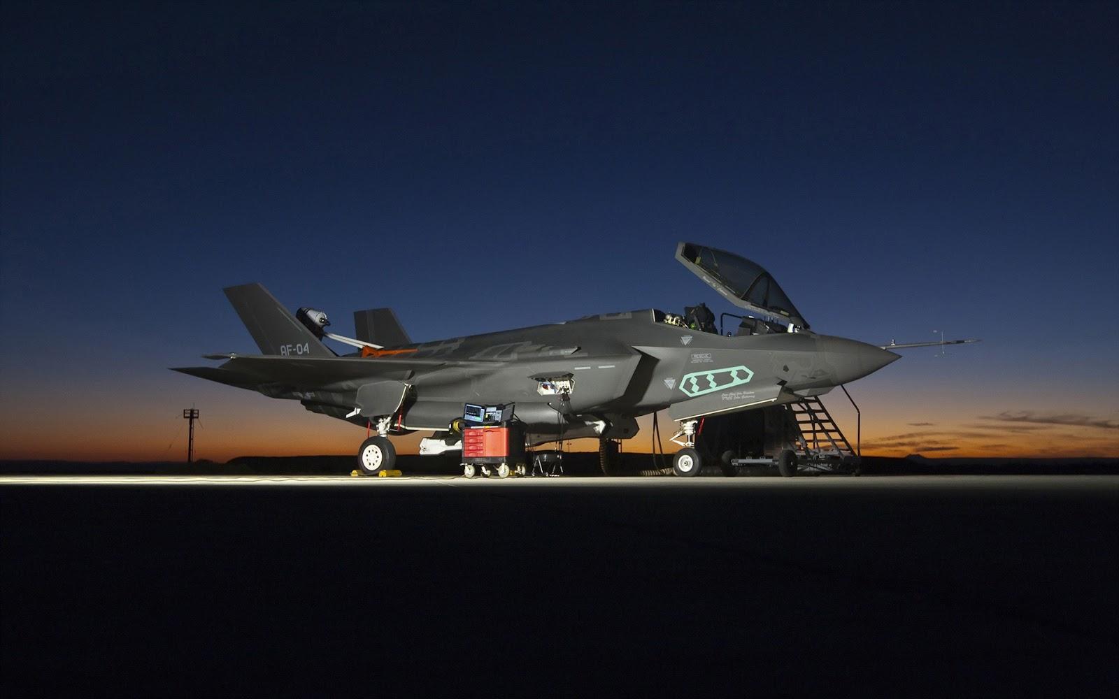 http://1.bp.blogspot.com/-KfECe9qub2o/UT2zBaa4vrI/AAAAAAAAOG8/5VHec0pdQ7Q/s1600/lockheed-martin-F-35-lightning-II-joint-strike-fighter-jsf-wallpaper.jpg