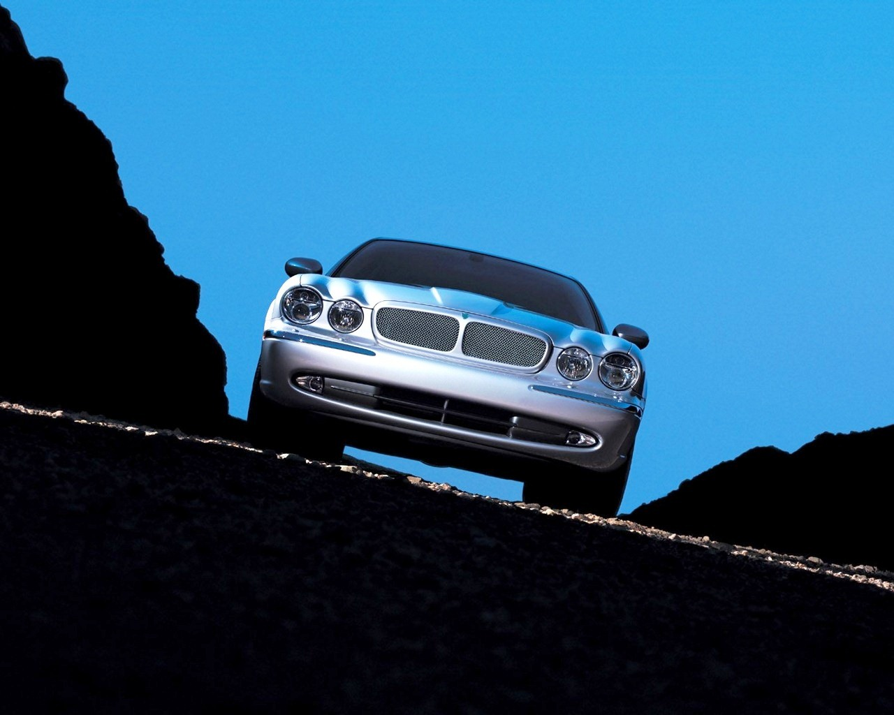 http://1.bp.blogspot.com/-KfGgBiGscnI/T6HyC9548jI/AAAAAAAABMk/vhjP_JEdv7E/s1600/Jaguar_HD_Car_Wallpaper_Blu_Ray_1080p+%252838%2529.jpg