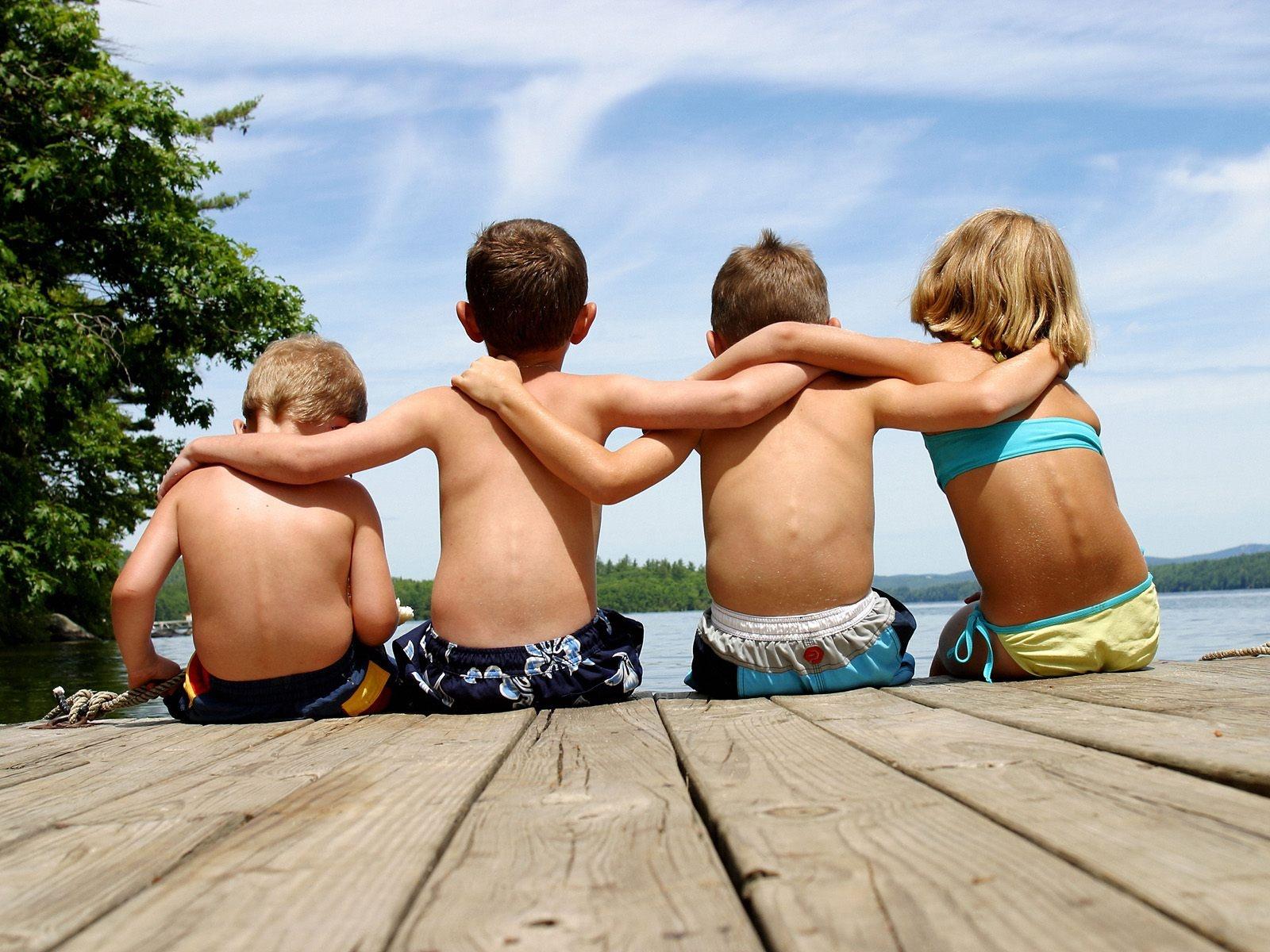 http://1.bp.blogspot.com/-KfINLAJMTeo/T_grKO4lACI/AAAAAAAAEiI/jMfSgnnwtAQ/s1600/best_friends%5B1%5D.jpg