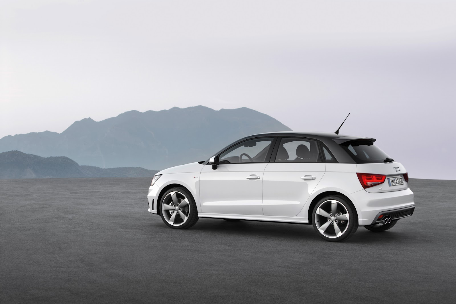 in4ride 5 door audi a1 sportback arrives in mzansi. Black Bedroom Furniture Sets. Home Design Ideas