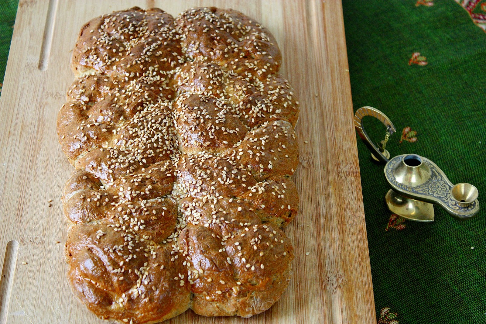 Dukkah Plaited Loaf