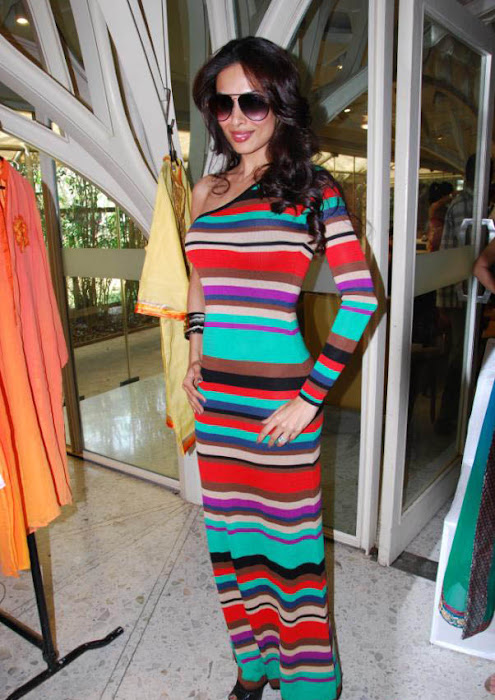 malaika arora khan at a charity event glamour  images