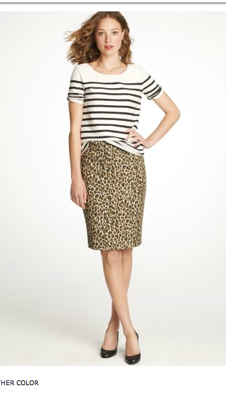 fac94c453642 I would have never thought to wear that striped top with the leopard skirt
