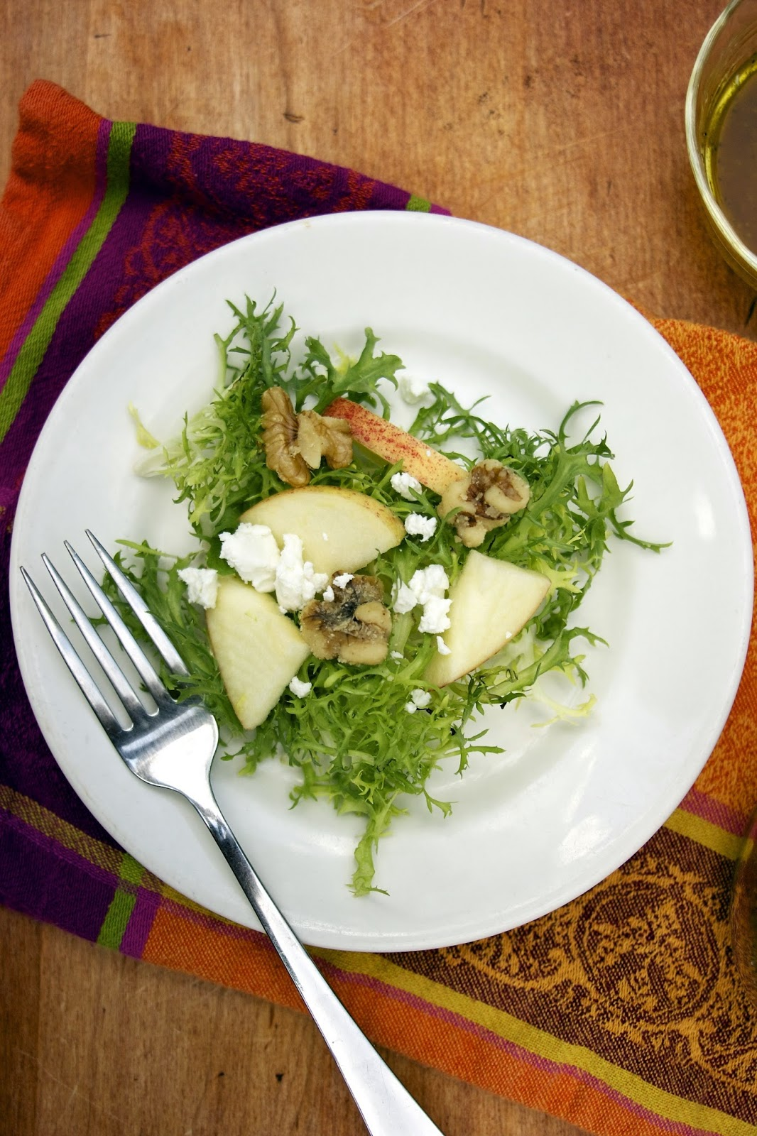 Apple and Frisee salad: simplelivingeating.com
