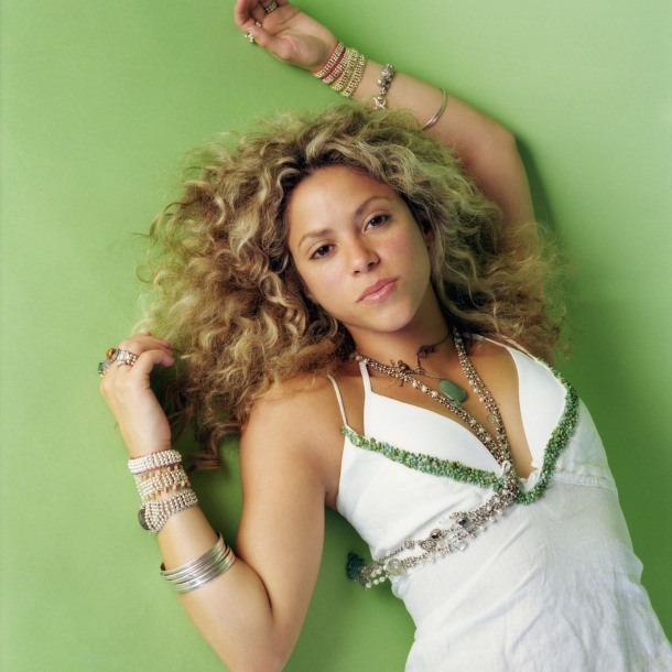 "<img src=""http://1.bp.blogspot.com/-KgFsDT57i6M/UgvmH3irf1I/AAAAAAAADk0/9OGTvdG5wbw/s1600/preview-2339-celebritypixel.com.jpg"" alt=""Shakira wallpaper"" />"