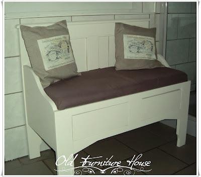old furniture house bettbank. Black Bedroom Furniture Sets. Home Design Ideas