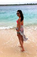 Foto Jessica Mila Seksi berbikini Di Pantai