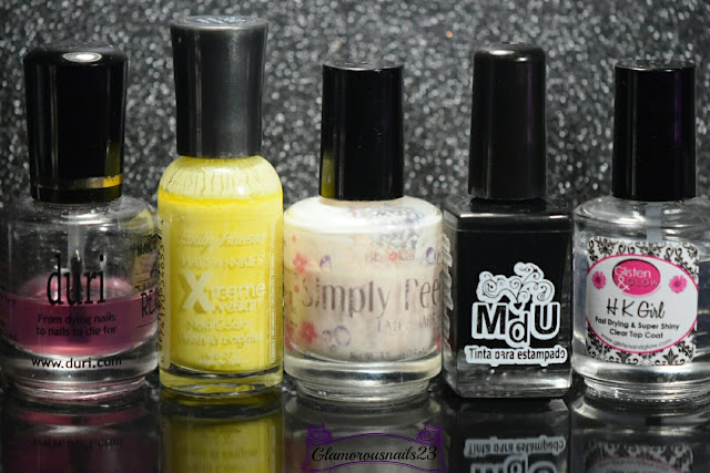 Duri Rejuvacote, Sally Hansen Mellow Yellow, Bliss Kiss Simply Peel Latex Barrier, Mundo De Unas Black, Glisten & Glow HK Girl Fast Drying Top Coat