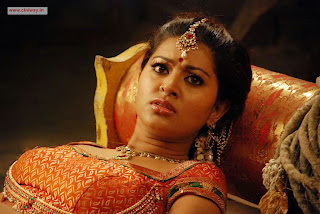 Sneha-Stills-from-Rajakota-Rahasyam