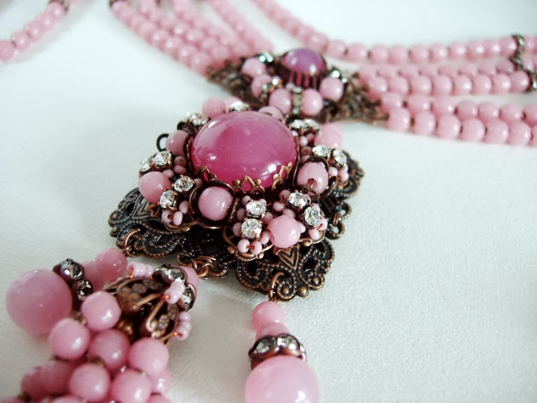 Designer Handicraft Jewellery Vintage Pink Czechoslovakia beads Eesti helmestest ehted Bijoux Collier Perles ancienne Schmuck Halskette