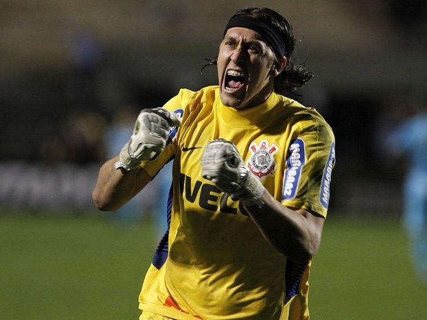 O Corinthians não é o Chelsea. Até porque o Santos está longe de ser o Barcelona.