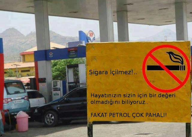Sigara içilmez uyarı levhası. Petrol tesisi sigara içilmez uyarısı. Sigara içenler hayatına değer vermiyor. Petrol pahalı. Aman petrol