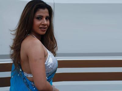 Sambhavna Seth sexy picture