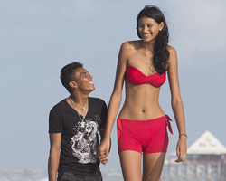 World's Tallest Teen Girl Elisany da Cruz Silva