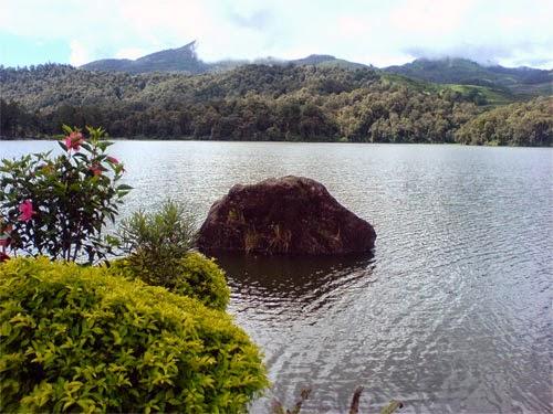 Danau Situ Patenggang Bandung