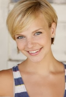 Plays Heidi: Kelly Daly. Thanks to Kristopher for the information! - Kelly%2BDaly