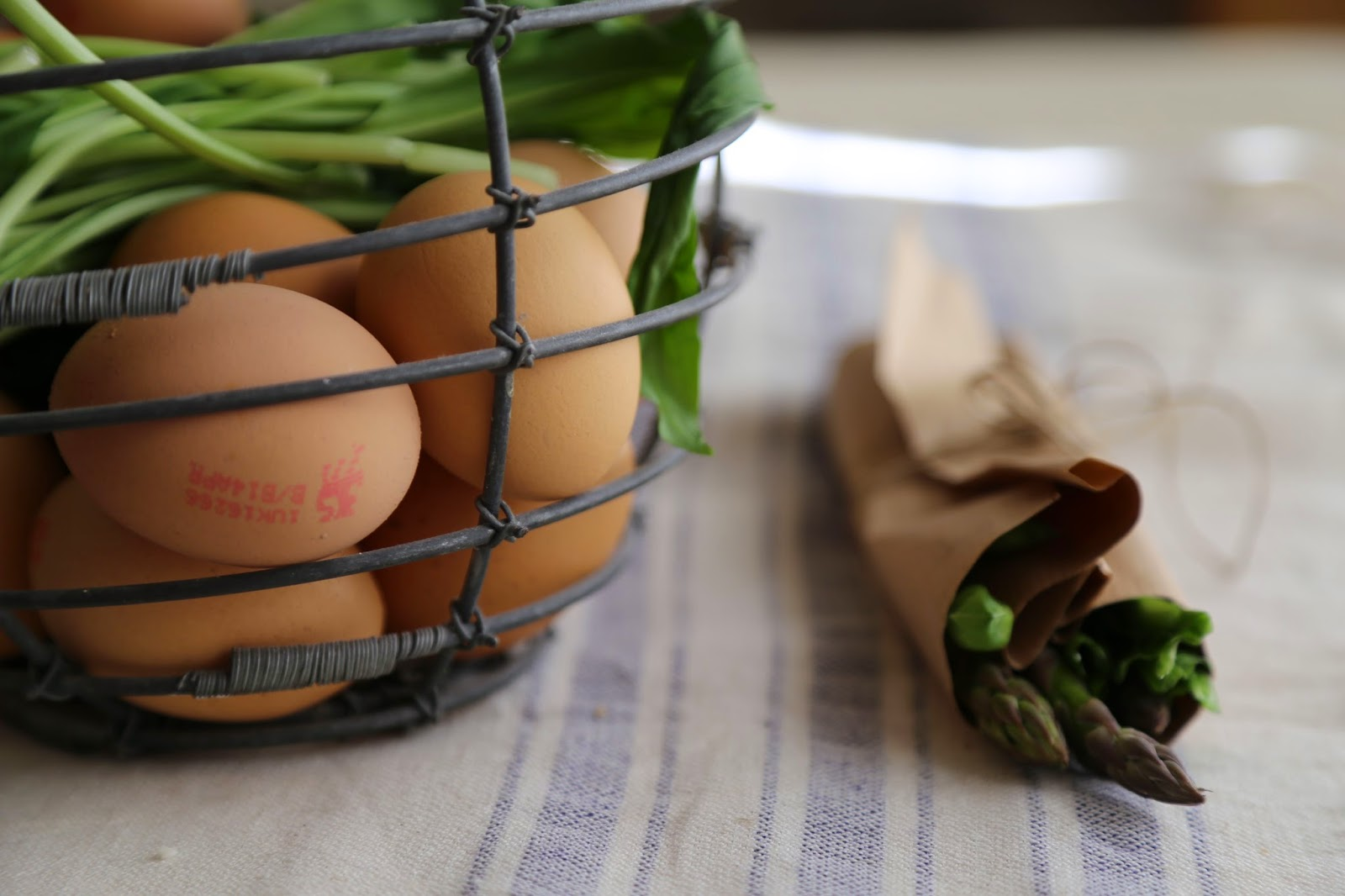 wild garlic, asparagus, omelette recipe ingredients