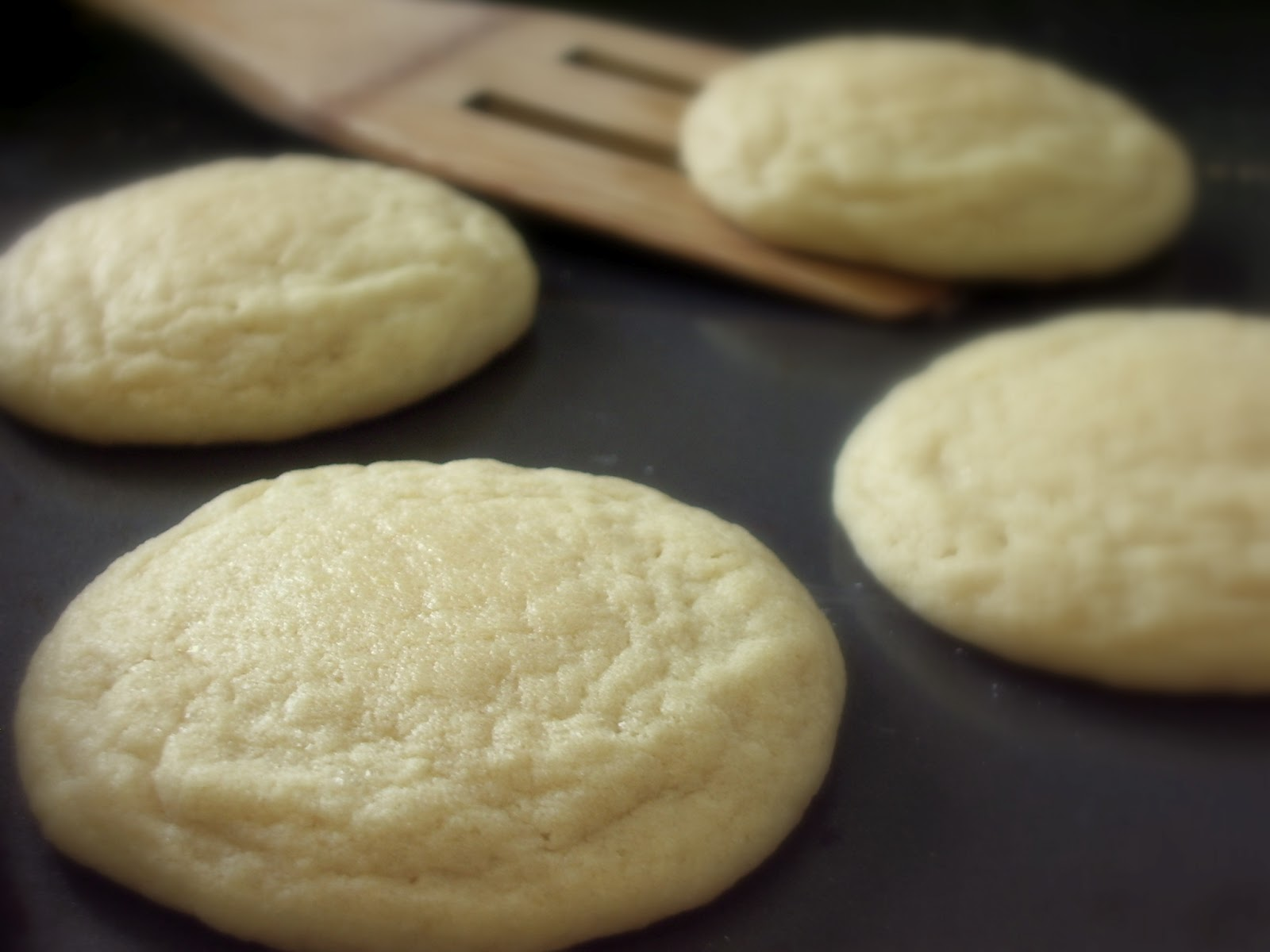 KitchenJoy: Soft & Chewy Vanilla Butter Cookies