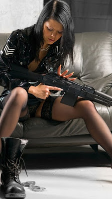 Girls with Guns wallpaper pictures hd part 4