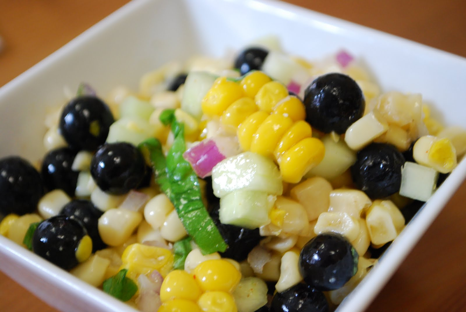 Simply Mangerchine: Blueberry Corn Salad