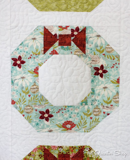 Quilt Pattern For Christmas Wreath : Quilt Inspiration: Free pattern day: Christmas part 2: Gifts, ornaments and wreaths