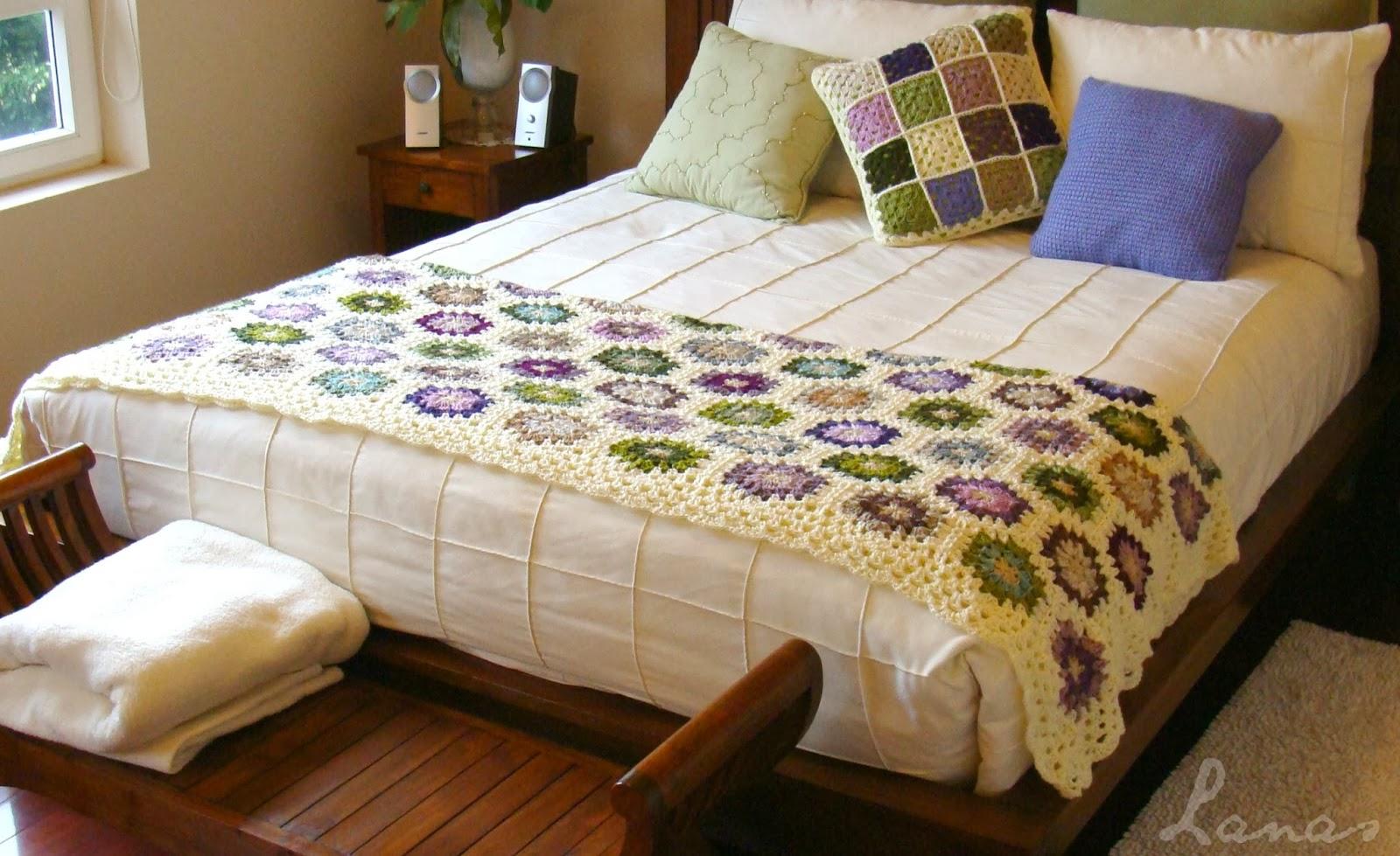 Lanas de ana blanket finale peaceful hexagon for Cubrepies de cama
