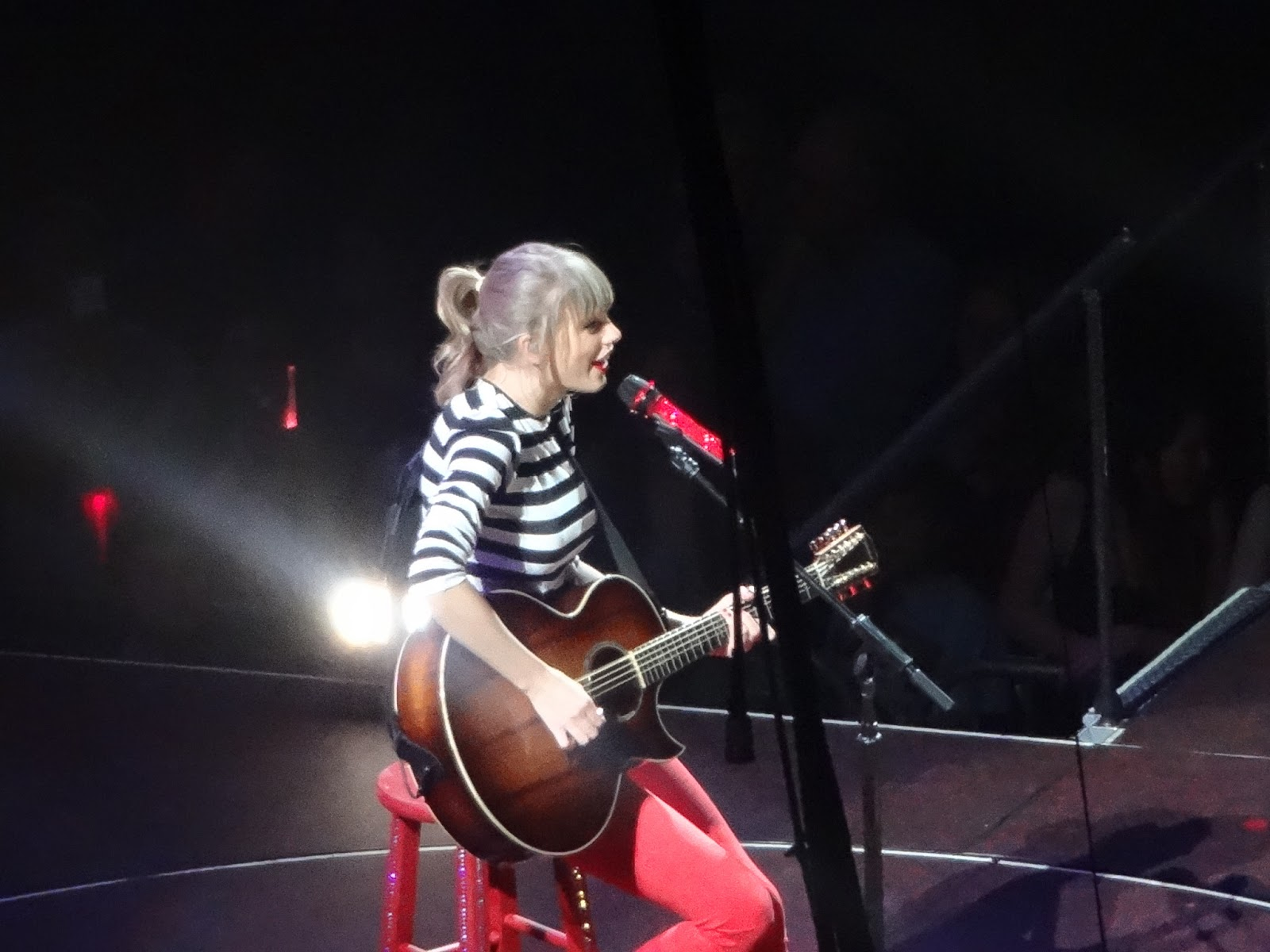 Taylor Swift Red KL