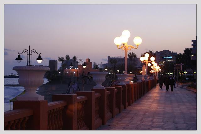 Puerto de noche